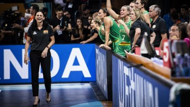 Opals coach Sandy Brondello (left) had some high praise for Cambage.