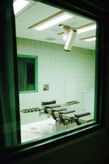 The view of the interior of the execution chamber from the media and public viewing area at the US Penitentiary in Terre Haute in the city of Indiana.