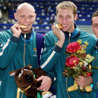 Todd Pearson, Michael Klim, Ian Thorpe and William Kirby celebrated gold for Australia after the 4x200m freestyle relay ... with Fatso.