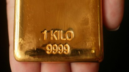 Gold price set to blast through $US2000 as economic risks grow