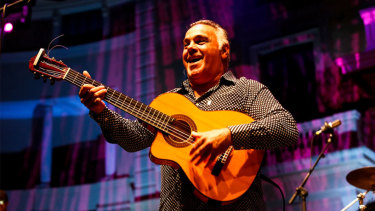 Andres Reyes, former member of Gipsy Kings, brought his new family band to Australia in 2019.