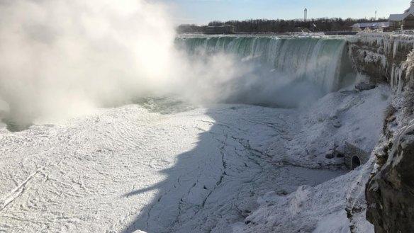 'Like the movie Frozen': Niagara Falls freezes up