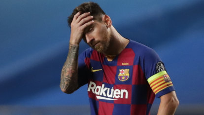 Messi ends row, decides to stay at Barcelona
