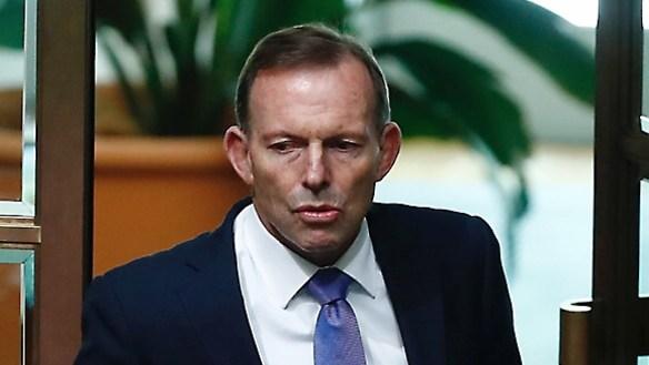 Turnbull shuts down Abbott and the room applauds