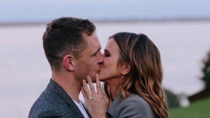 Cats champion Joel Selwood claws back $60,000 debt on engagement ring