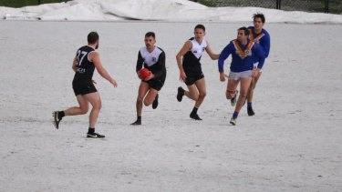 The game between the Ringwood Redbacks and Heathmont Jets was stopped temporarily.