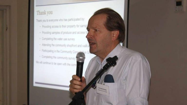 Professor Nicholas Buckley speaking at the meeting in Katherine.