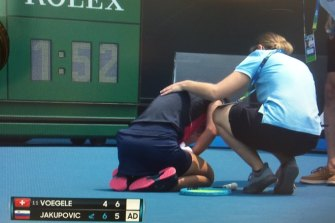 Players struggled in smoky conditions due to bushfires at this year's Australian Open.