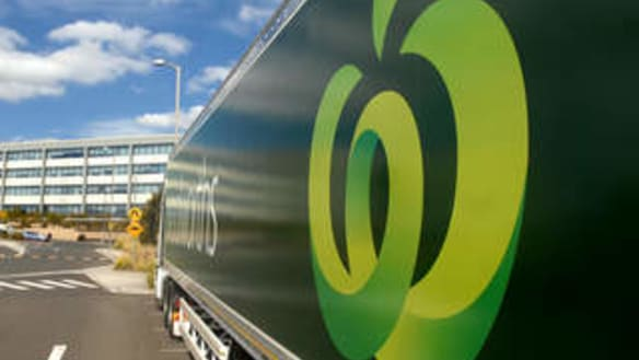 Woolworths beats Coles with 15 per cent jump in profit