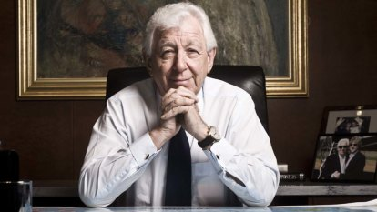 Australia 'moving in the wrong direction', says Frank Lowy