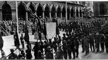 """""""Impressive scenes in Martin-Place yesterday when the completed Cenotaph was unveiled."""" February 21, 1929."""