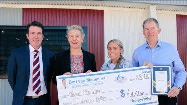 Bridget McKenzie delivering a sports grant with Forde LNP MP Bert Van Manen in August 2018