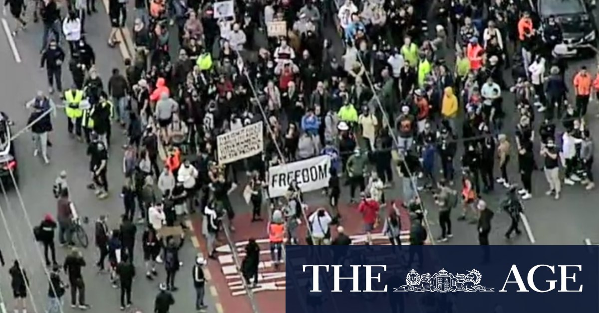 Anti-lockdown protesters gather in Richmond after police lock down CBD