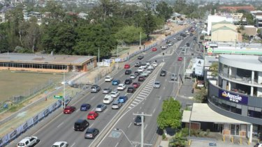 The Wynnum Road corridor upgrade expanded the four-lane road to six lanes.