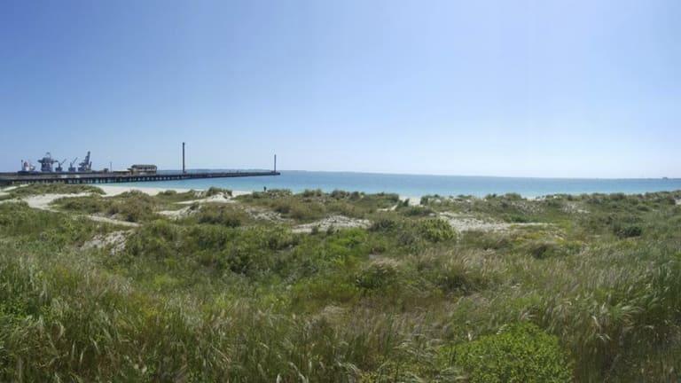 Horse Beach, Naval Base