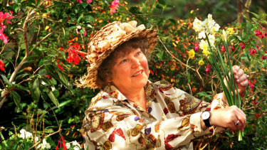 Shirley Stackhouse in her Killara garden, 1997.