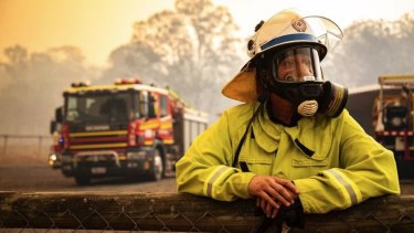 The Greens want coal and gas companies to pay for more firefighters in Queensland.