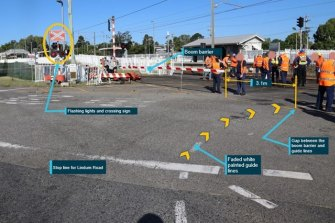There was a 3.1 metre gap between the boom gate and the median island.