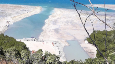 Freesoul has been accused of damaging the reef on Malolo Island.
