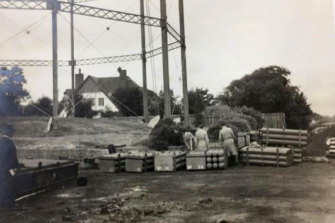 The 1910 Gas Holder as pictured in March 1952. This adjoins the current site of Brighton Grammar's early learning centre.