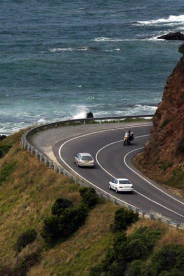 The road to Apollo Bay.