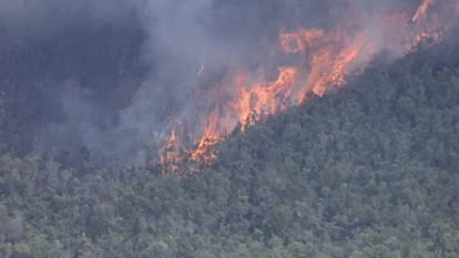 Residents urged to flee out-of-control bushfire on French Island