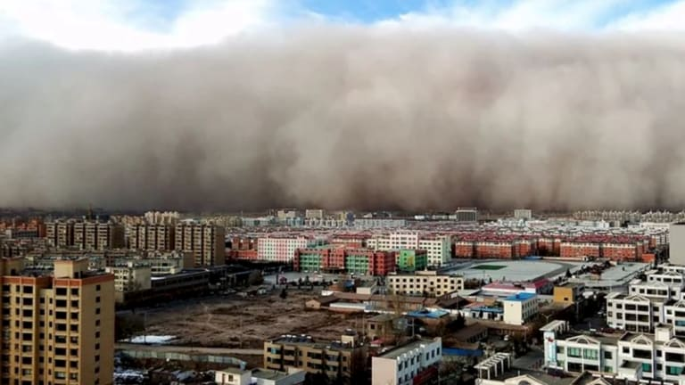 The sandstorm approaching Gansu, China.