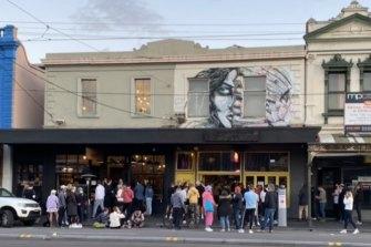Crowds continue to gather in Bridge Road, Richmond