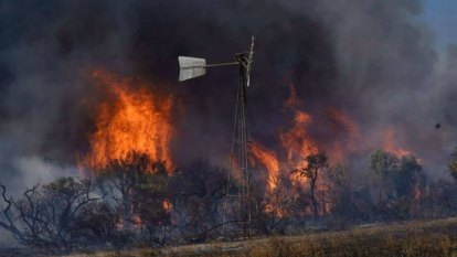 Hot, dry, windy weather to test containment lines as Gingin fire burns for almost a week