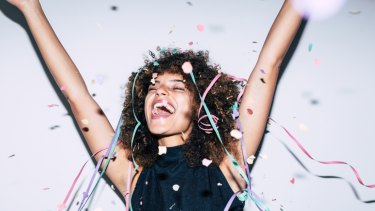 Extroversion is linked to happiness.