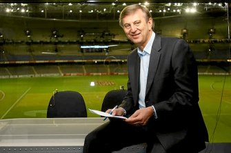 Dennis Cometti has been inducted into the Australian Football Hall of Fame.