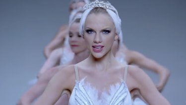 Taylor Swift in the music video for her hit Shake It Off.