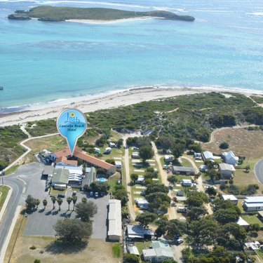 The Lancelin Beach Hotel borders a number of the town's premier four-wheel-drive tracks.