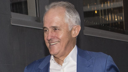 Malcolm Turnbull goes into campaign mode in final days of NSW election