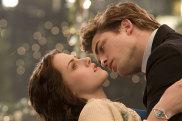 A scene from the film Twilight featuring Kirsten Stewart (Bella) and Robert Pattinson (Edward).