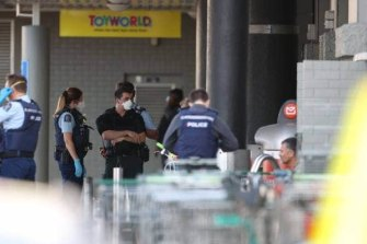 Police respond to the incident at Lynn Mall in Auckland.
