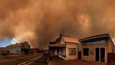 Eerie scenes on a street in Tingha as the bushfire burns nearby.