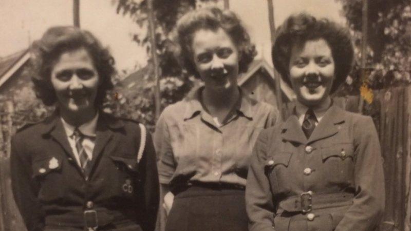 357537cfc1f Women s Auxiliary Air Force volunteer married Australian pilot