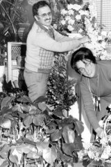 Florist Fred Pollak and wife Clare Pollak from Pearsons Florists in Bondi Junction in 1979.