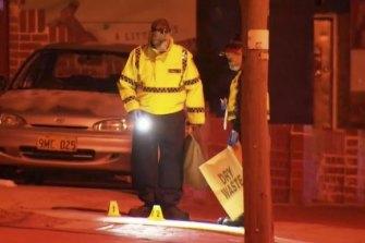 Polisi di rumah Mount Lawley tak lama setelah pertengkaran itu.