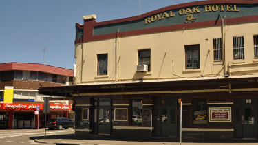 In her former glory ... Paramatta's now-demolished Royal Oak Hotel.