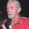 AFL great Robert Walls at centre of out-of-control bushfire