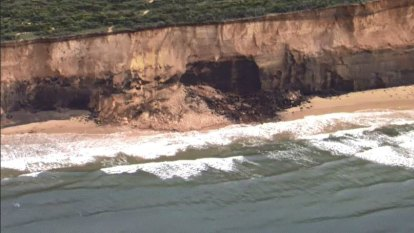 Anglesea cliff collapses 'with a huge boom like a mine blast'