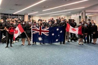 The 55-person contingent from the NSW Rural Fire Service, Fire and Rescue NSW, NSW State Emergency Service and Western Australia, arrived back in Australia on Tuesday following a five-week deployment to Canada.