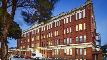 An owner-occupier purchased the 475sq m half floor strata office.