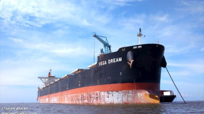 Coronavirus-riddled iron ore ship off Port Hedland sets sail for Philippines
