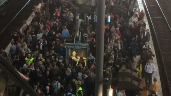 Commuter chaos as major delays hit  Melbourne train lines during peak hour