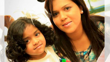 Manik Suriaaratchi and her 10-year-old daughter Alexendria.