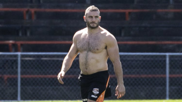 The Tigers trained behind closed gates on Thursday but the Herald managed to train a long lens on Robbie Farah.