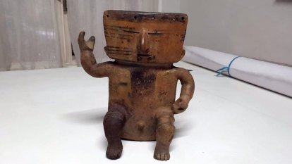 Auctioned pre-Columbian artefacts seized by police
